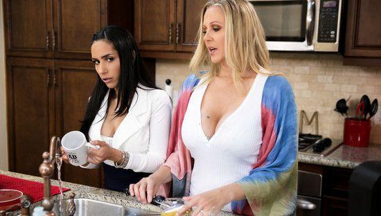 [MomsOnMoms] Tia Cyrus, Julia Ann (Domestic Bliss) Online Free