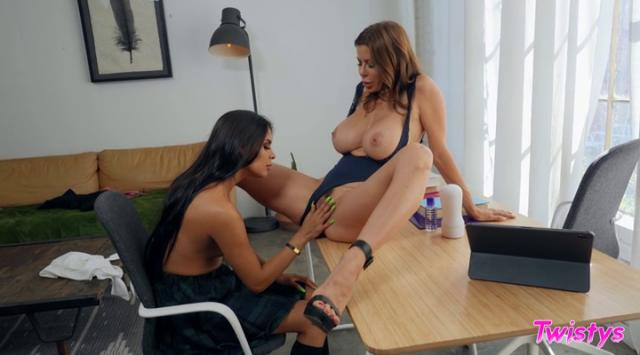 WhenGirlsPlay – Alexis Fawx, Katya Rodriguez – College Counseling Online Free