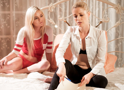 [SweetheartVideo] Charlotte Stokely, Chloe Foster (Stress Reliever) Online Free